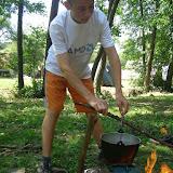 Příprava čaje a pokrmu pro pravěké lovce (1)