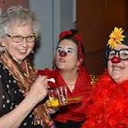 FIL ROUGE_06_Monique en compagnie de deux clownesses, Marlo la terrible espiègle et Giorgina la bougonne rebondissante.JPG