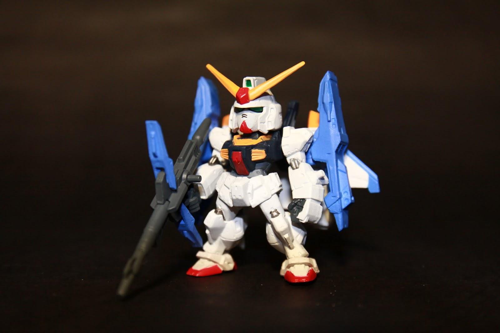 合體後稱為Super Gundam 雖然是提高性能 但基本上應該比較像是從泛用機變成中遠距離支援機
