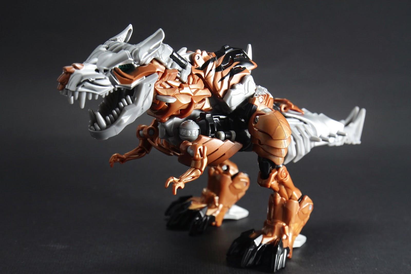 先從恐龍型態看起 V級的恐龍型態比L級好看多了