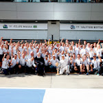 William F1 Team celebration after 3rd and 4th place zoom out