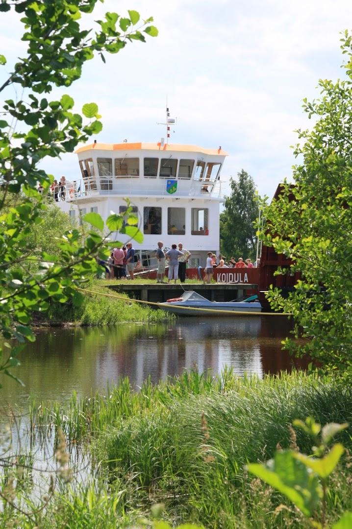 The Koidula Ferry, operating between Laaksaarõ and Piirissaar