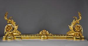 Перекладная дворница из бронзы. 19-й век. Резная, позолоченная бронза. 155/56/12 см.