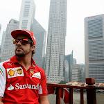 Fernando Alonso with Singapore skyline