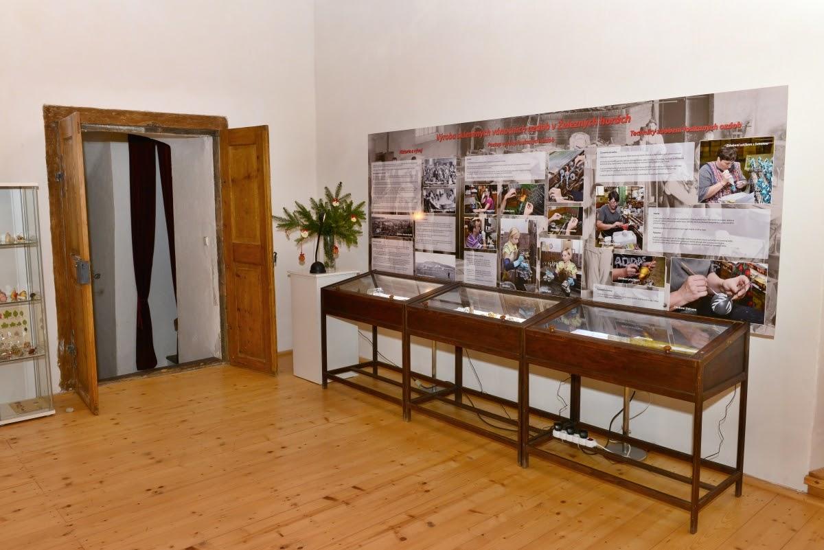 Vernisáž výstavy ozdob - 2015112...