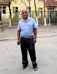 Askar, čuvar objekta koji me je ugostio u Aktobeu. Priča na blogu je o njemu.