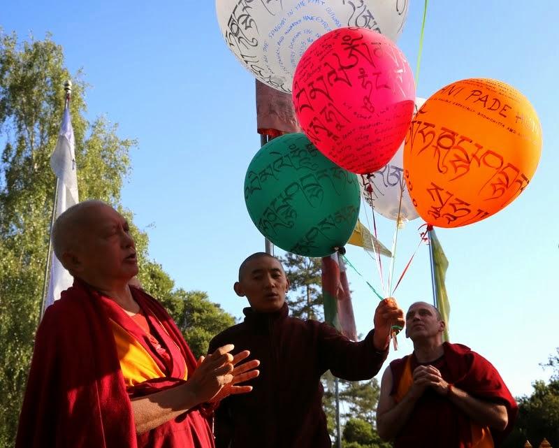 Blessing balloons, Kachoe Dechen Ling, Aptos, California, May 2014. Photo by Ven. Thubten Kunsang.