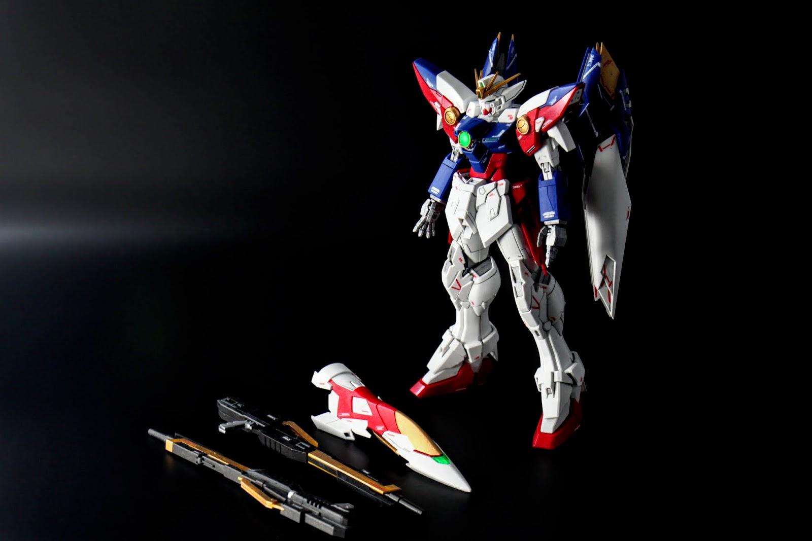 Wing Gundam Proto Zero;吃書設定再一發,TV版的Wing Gundam Zero 造型大改後變成原型機