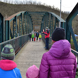 Vracíme se na vlak a cestou hrajeme hry na starém davelském mostě