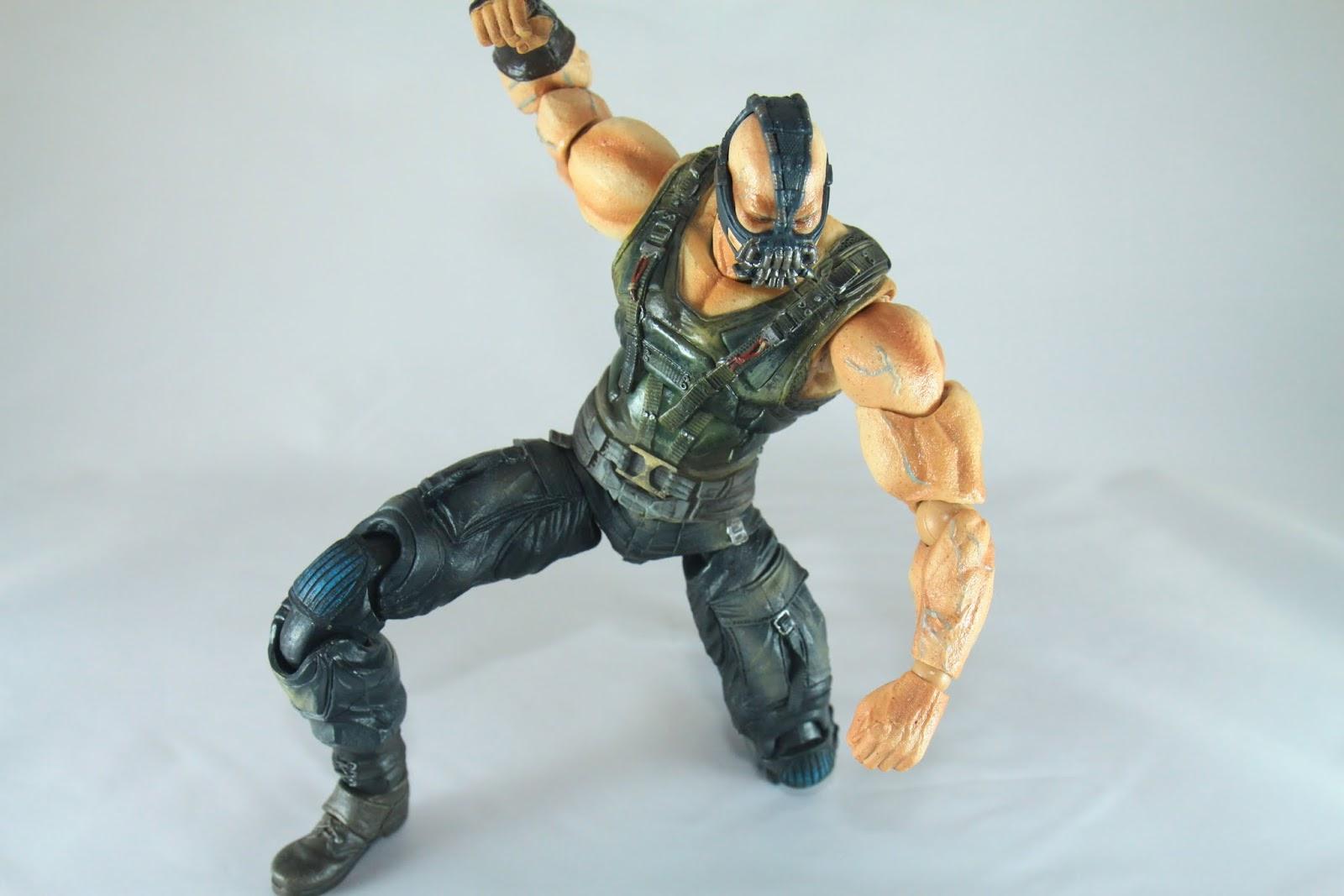 缺點一樣是來自軀幹部分的可動性 導致不是很能做出Superhero Landing的動作