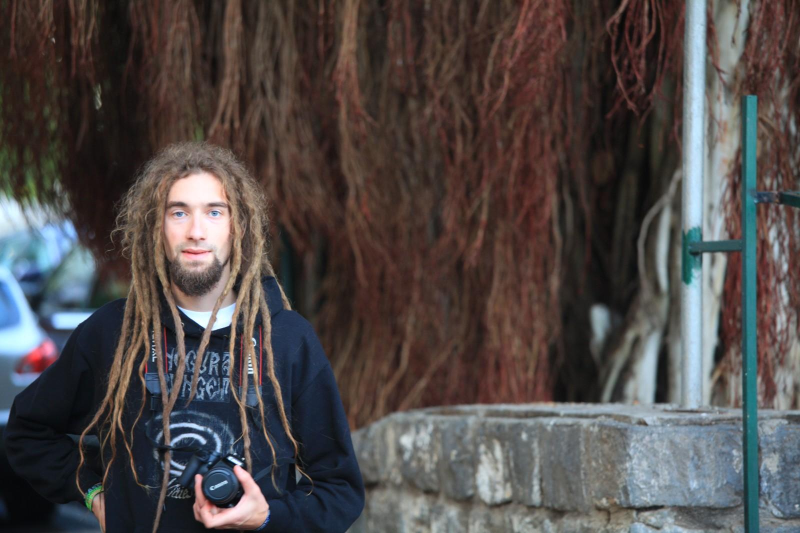 Human hair vs Tree roots :-)