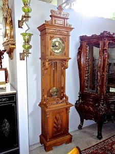 Красивые антикварные часы  в стиле Модерн. ок.1920 г. Высота 240 см. 2800 евро.