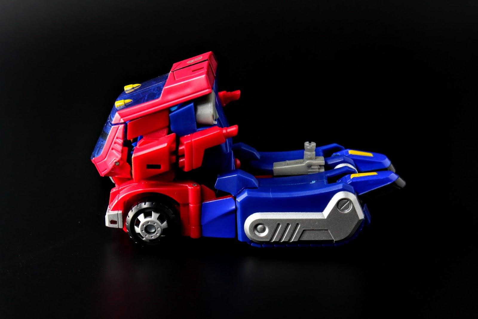 載具車體結構很穩固,造型也很優秀