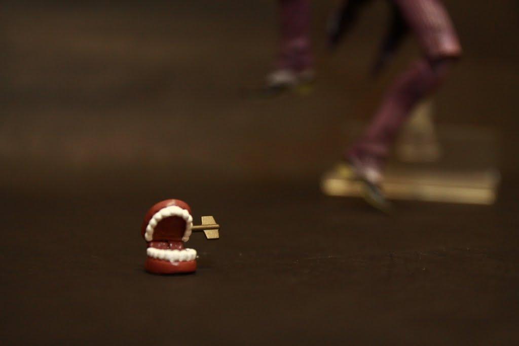牙齒是可動的 但是轉軸不可動