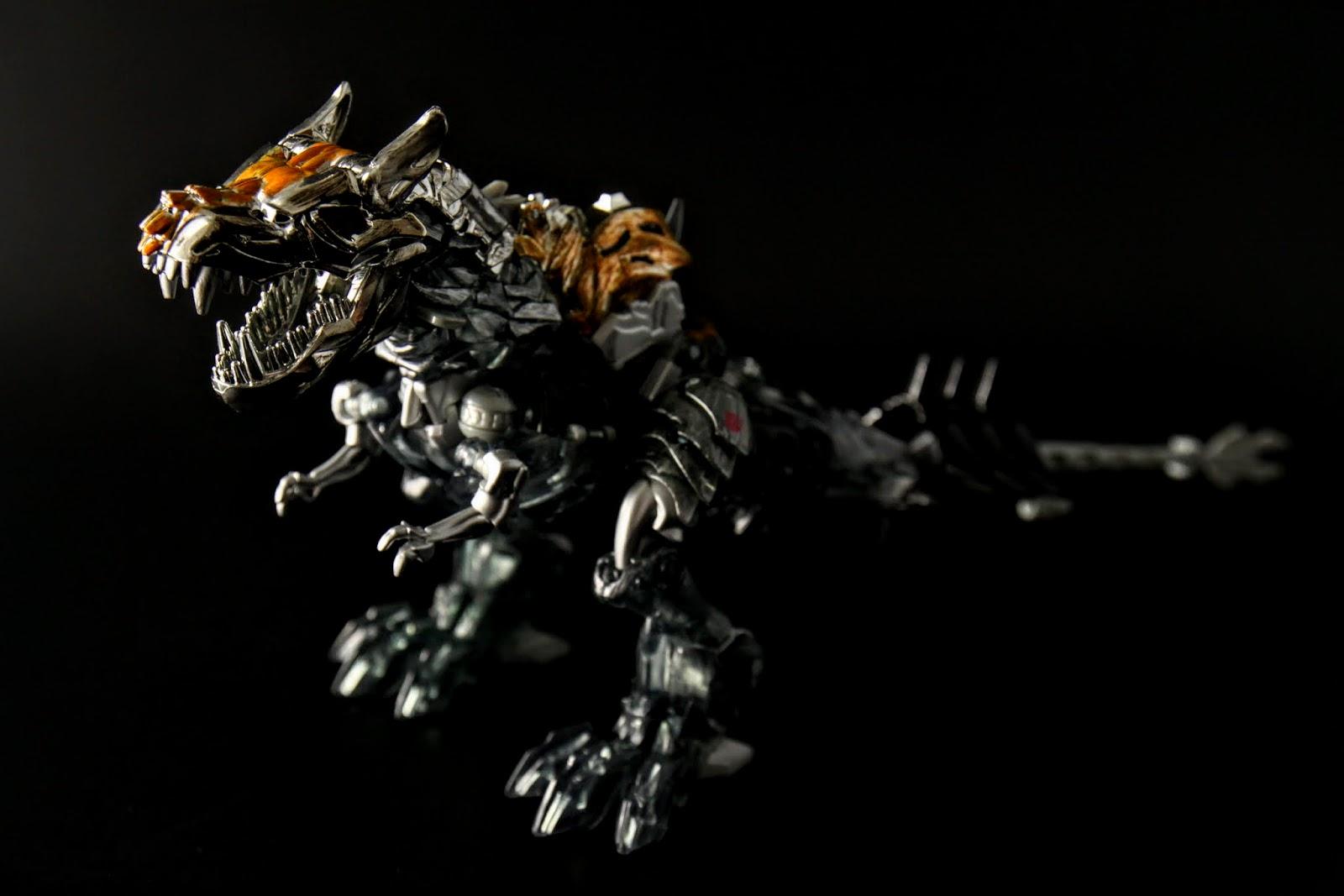 最後是恐龍小隊的隊長,之前也有介紹過的鋼索-Grimlock