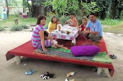 Jedna ujgurska porodica koja me je sabajle svratila na čaj i doručak