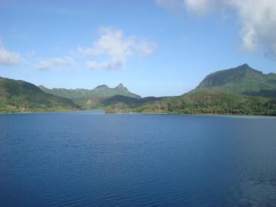 The harbour between Huahine Iti and Huahine Nui