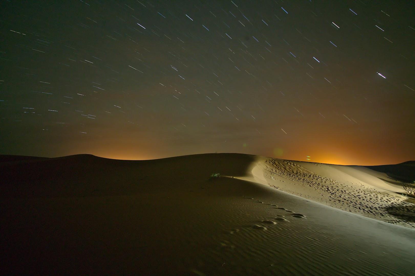 Starry moonless night in Sahara