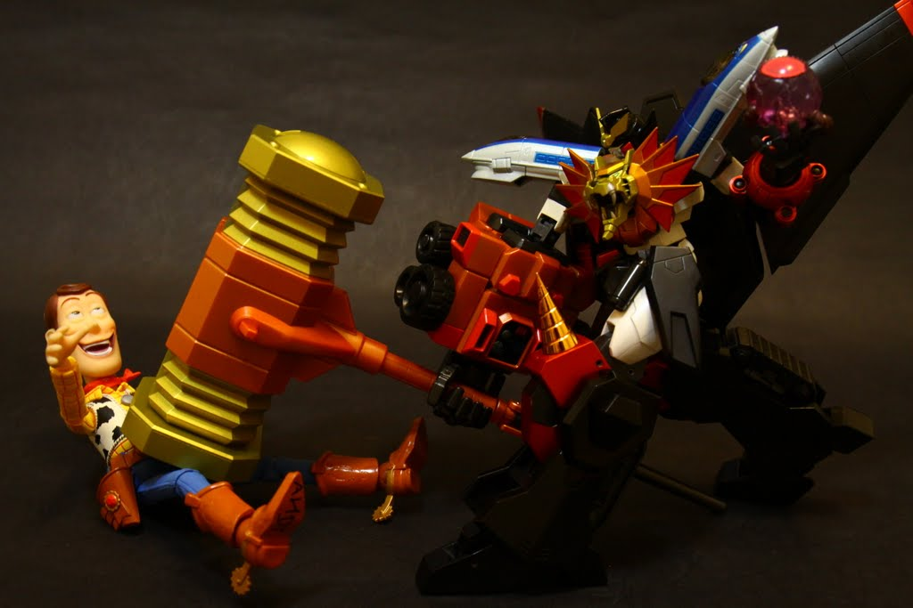 最後再重重的, 用鐵鎚往敵人敲過去!!!