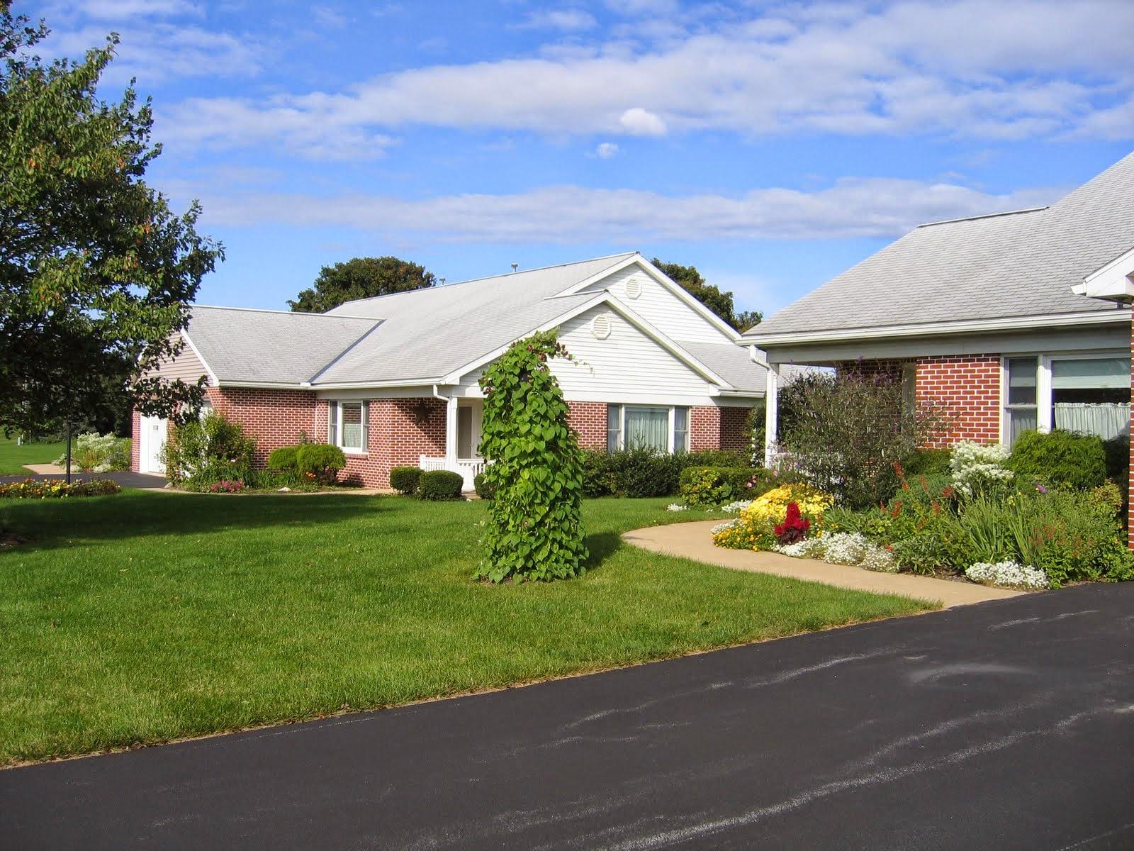 Farm Crest Drive cottages.