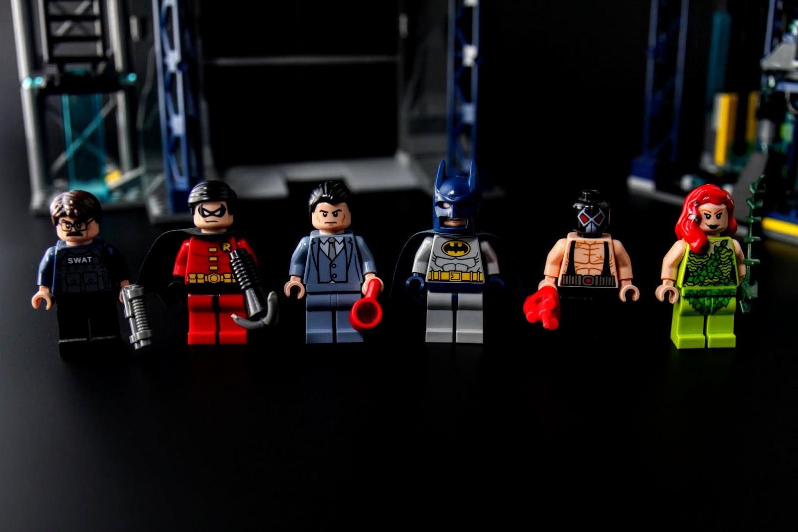 本組裡有六個人偶
