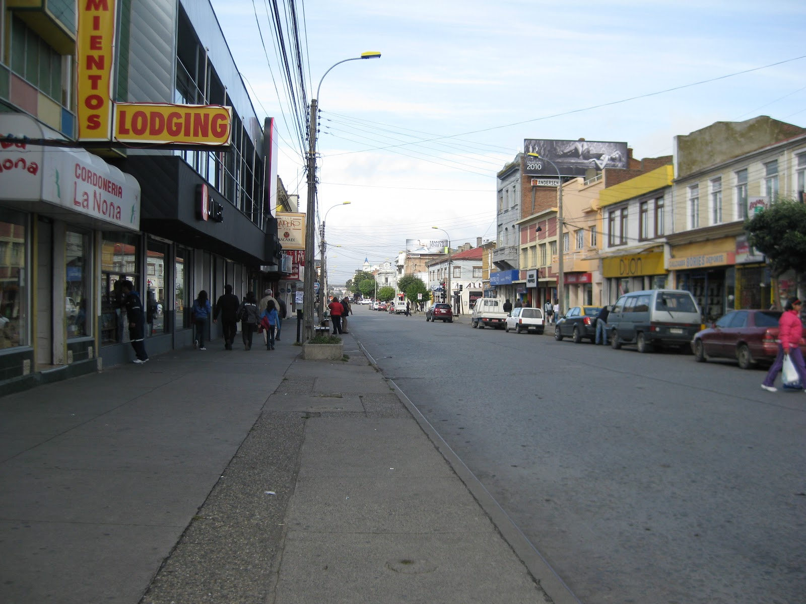 Main shopping street (Bories)