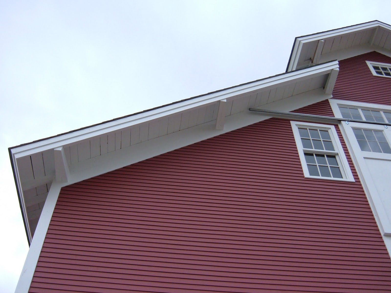 All plates extended past the gable to form the overhang.