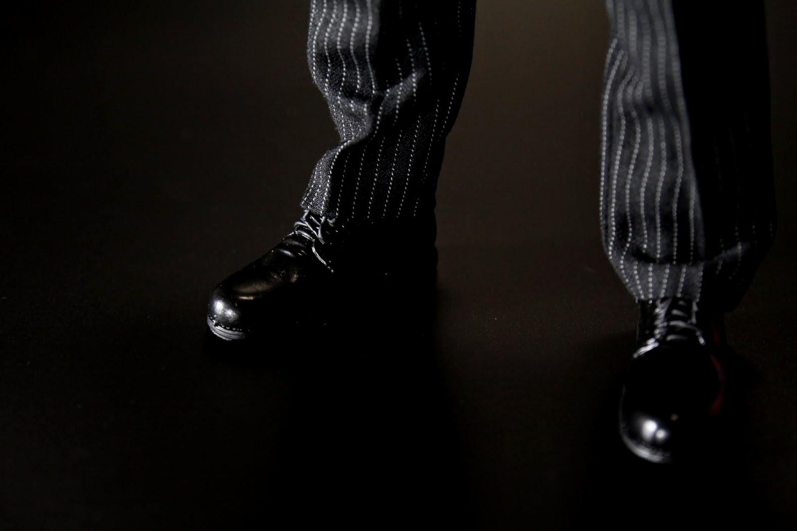 皮鞋我倒是沒啥感覺,不過跟阿福的皮鞋不同雙