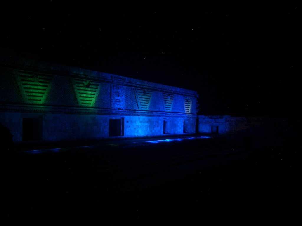 Licht und Soundshow - Uxmal bei Nacht