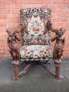 Антикварное, резное кресло. 19-й век.