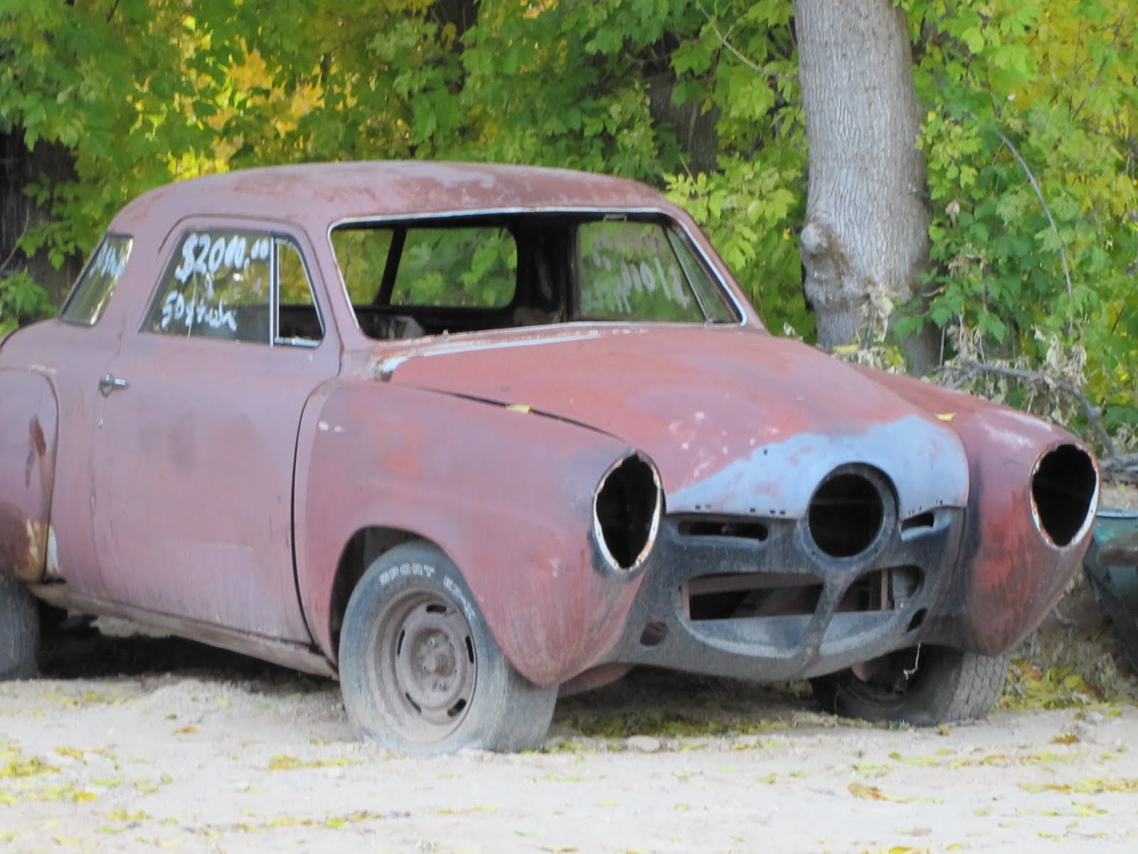 Car with 3 eyes, 1950 Studebaker Commander