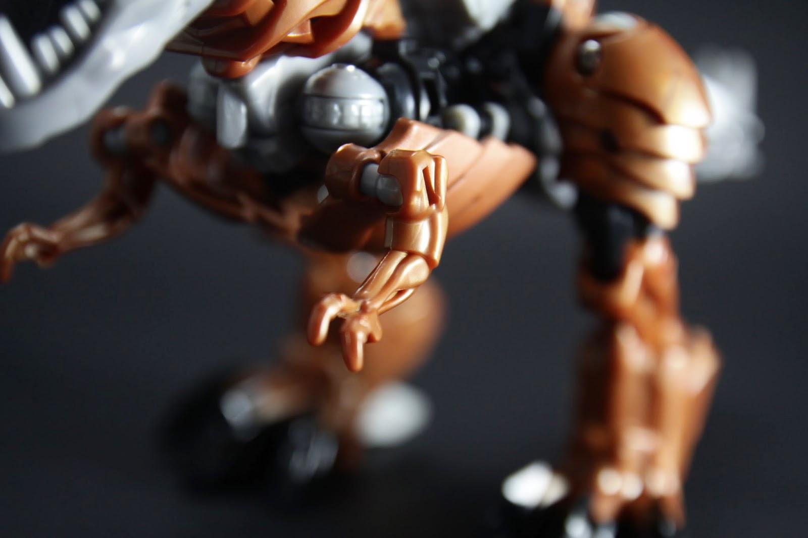 暴龍的短小前肢 只有肩關節