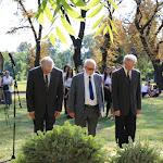 A Magyar Nyelvstratégiai Intézet képviselői is a sírhoz járultak