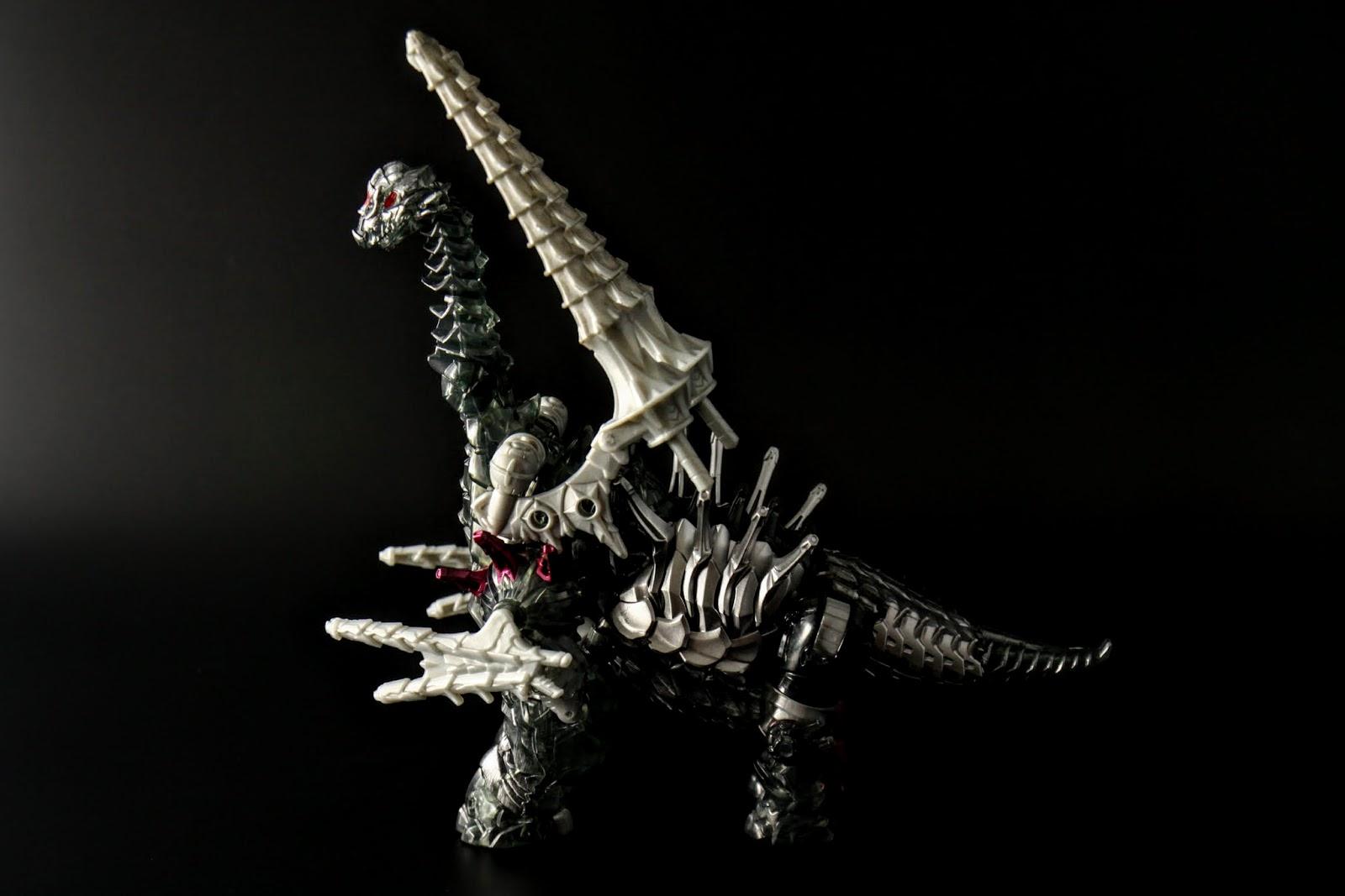 龍型態是腕龍,所以前腳很長,也很高
