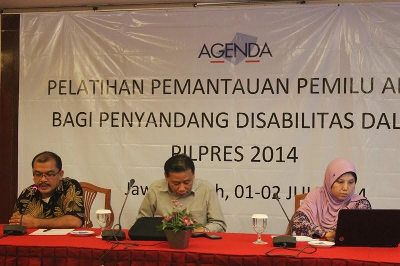 KPU Province Commissioner, Member of Bawaslu Provice, PPDI Trainer on Observer Workshop Central Java 1-2 July 2014