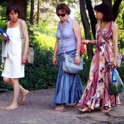 Нейля Насырова (Звенигород). Зрелые, раскрепощенные женщины - босиком по городу!