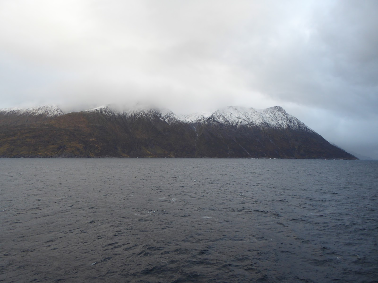 Approaching Oksfjord