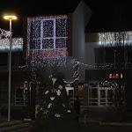 Díszkivilágítás a főtéren és a kultúrházon