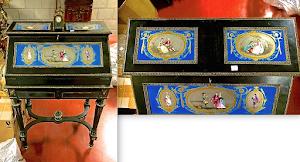 Антикварный секретер с  фарфоровыми вставками. 19-й век. Дерево, чёрный лак, золочёный декор, фарфоровые плакетки с ручной росписью, два выдвижных ящика, откидная дверка, встроенный интерьер. 6900 евро.