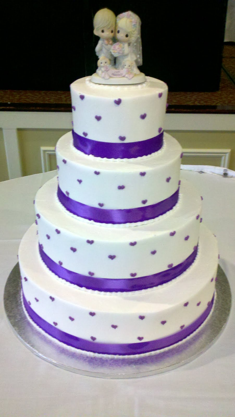Wedding - Dotted Hearts - Round - Level1