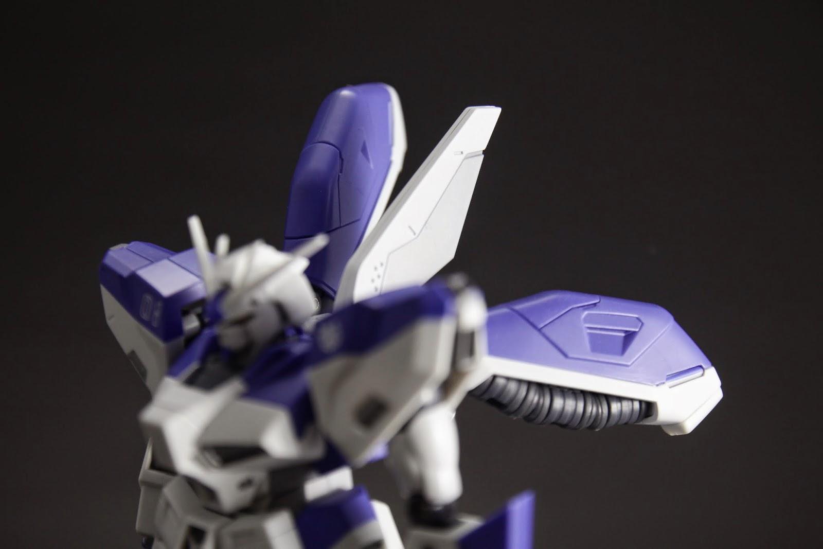 後方的平衡翼也是更動很大的地方 這一根是MG的新造型