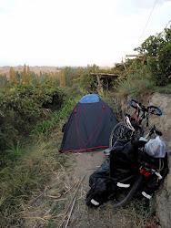 Kamp u vinogradu u Turfanu