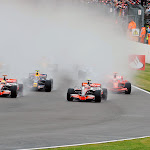 Race starts very wet
