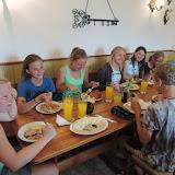 Po sestupu z Blaníku obědváme v Kondraci, v místní vyhlášené vývařovně