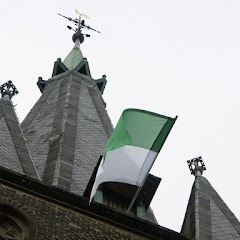 2009 Fahnen aufhängen im Pankratius Kirchturm