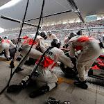 Sergio Perez, McLaren MP4-28 pitstop