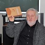 Praznovszky Mihály, irodalomtörténész a kötet szerkesztője