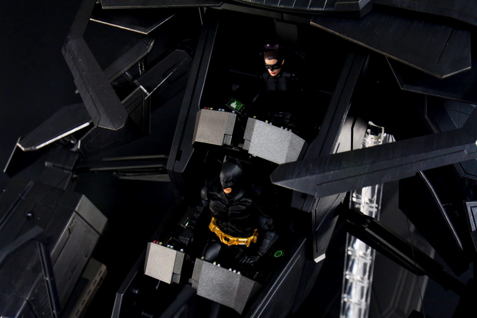 蝙蝠俠身形問題坐上去比較需要調整