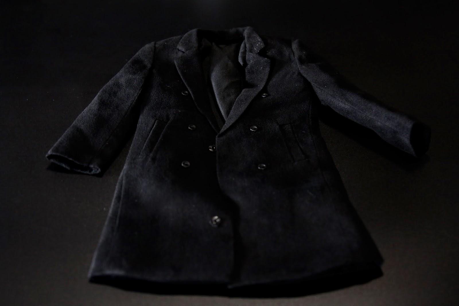 本組還有一件大衣