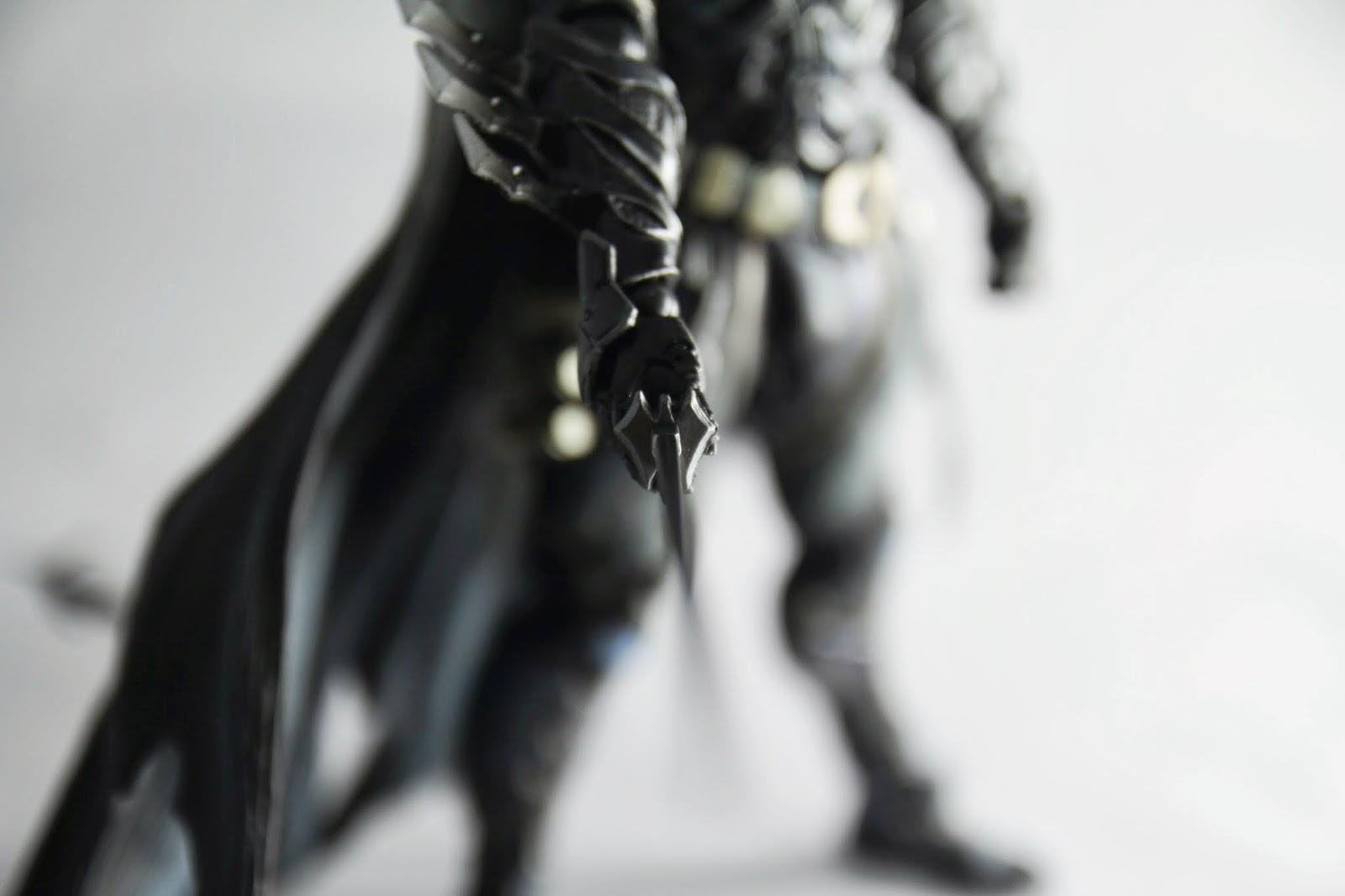 刀柄護手是蝙蝠的造型